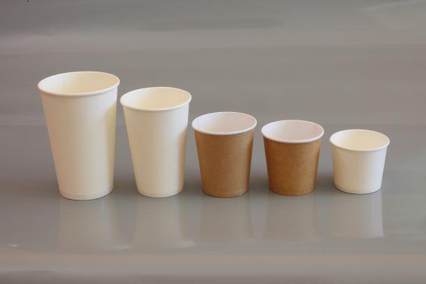 Одноразові стакани